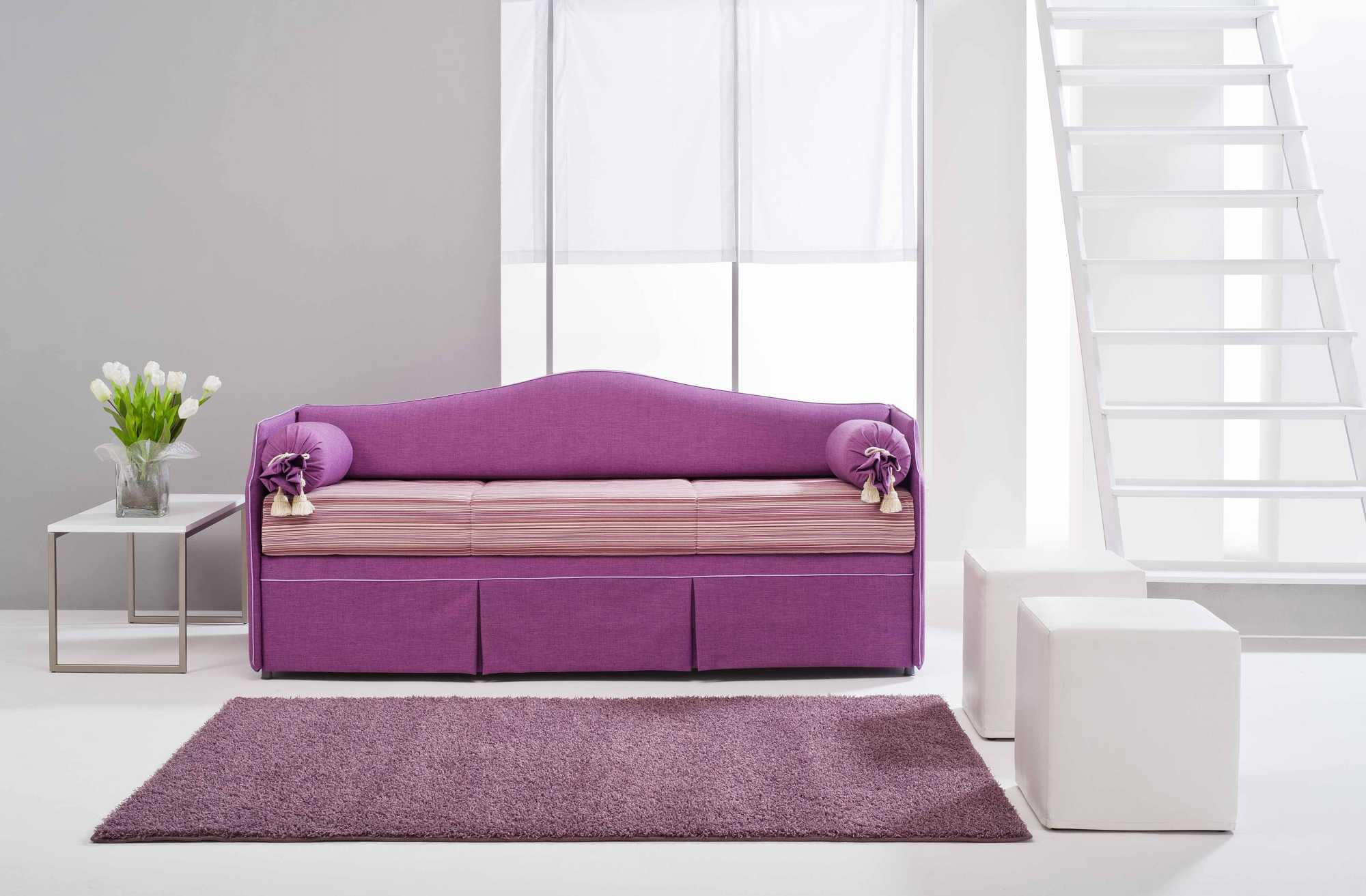 Pon pon letti estraibili divani doppio letto for Divano letto doppio